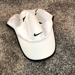 NWOT Nike dri-fit white hat